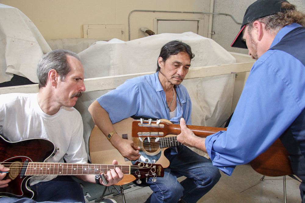 A slide guitar workshop by Roy Rogers; San Quentin State Prison - 2005