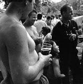137_Gypsies_drinking.jpg