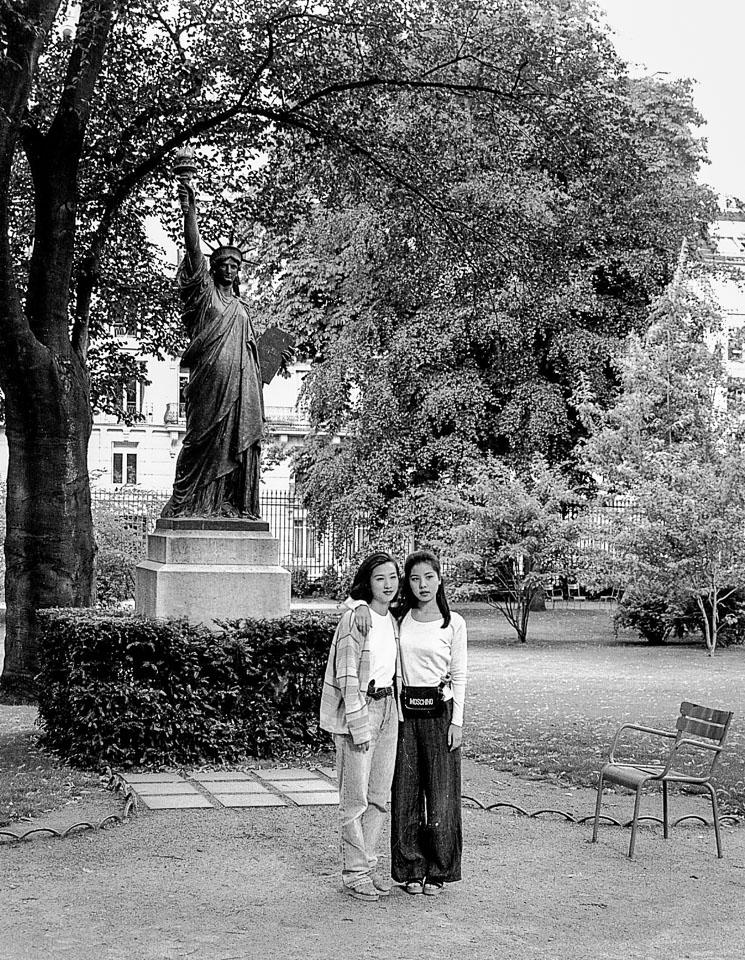 Paris_Luxembourg-Gardens_France_titled_v1.jpg